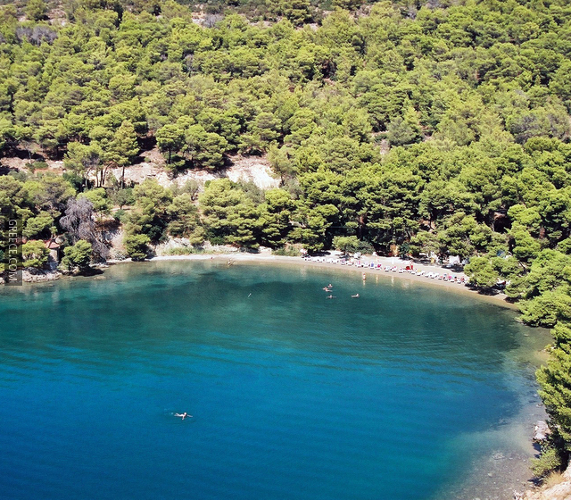 greece-com_3_poros_beach_1000x5601